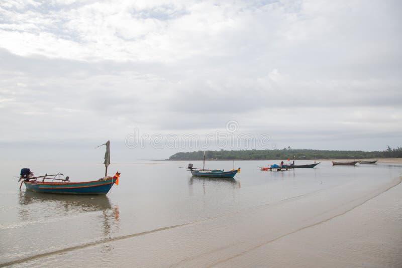 Muchos barcos de pesca imagen de archivo