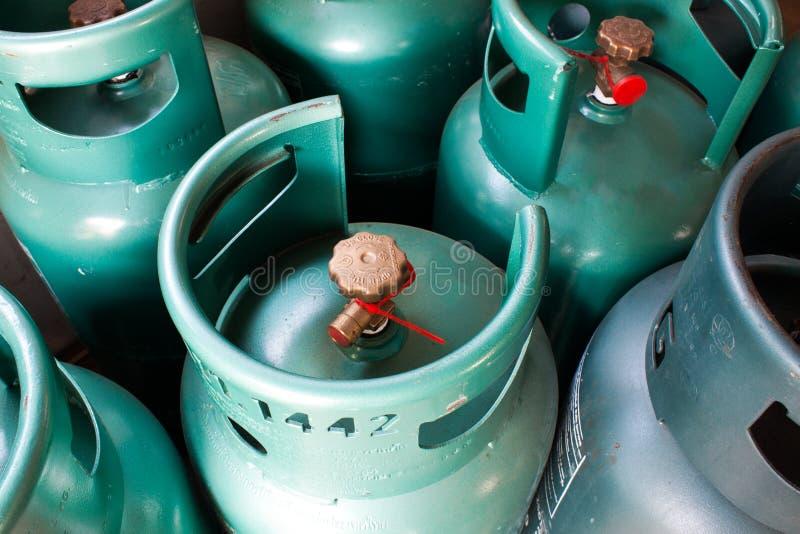 Muchos del depósito de gasolina. fotografía de archivo libre de regalías