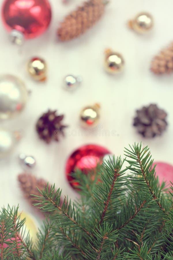 Muchos ornamentos y regalos del día de fiesta foto de archivo libre de regalías