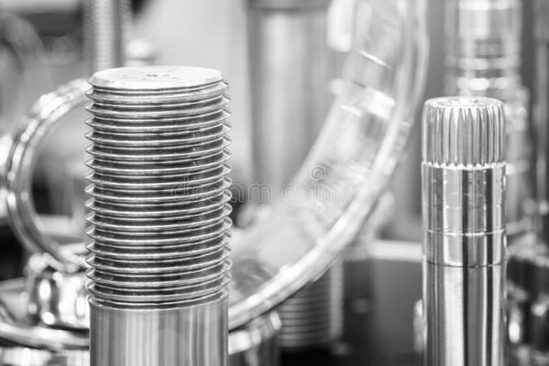 Muchos tipos de metal detallan el fondo del diseño industrial imágenes de archivo libres de regalías