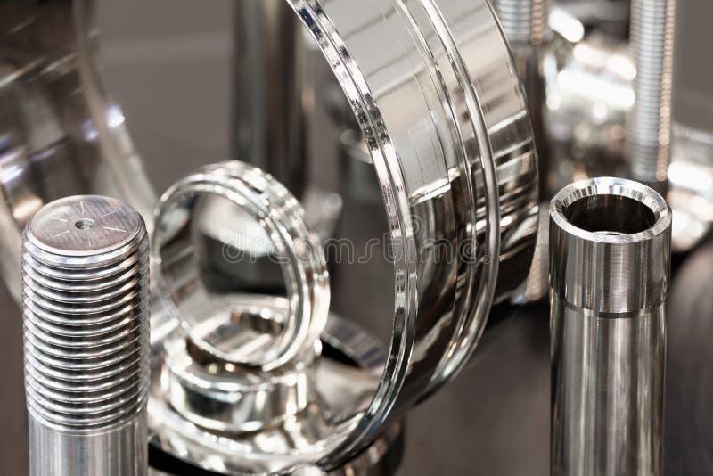 Muchos tipos de metal detallan el fondo del diseño industrial, concepto de la ingeniería industrial fotos de archivo