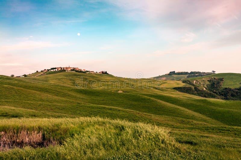 Mucigliani au coucher du soleil près de Sienne en Toscane photos stock
