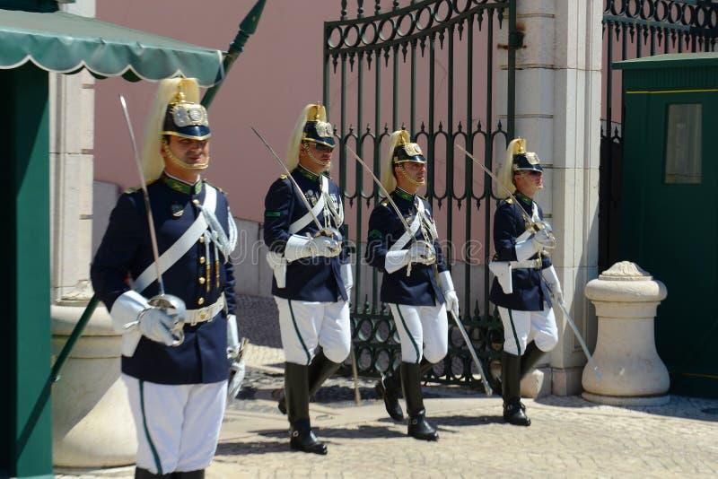 Mudança do protetor em Lisboa, Portugal foto de stock