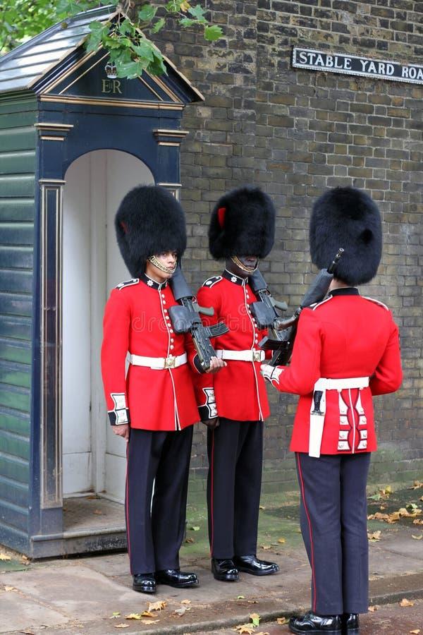 Mudança do protetor em Londres Inglaterra imagens de stock royalty free