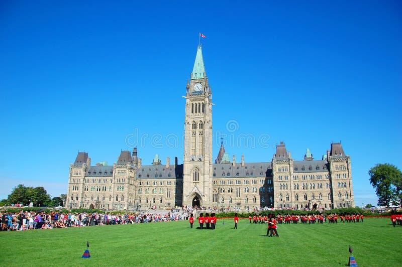 Mudança do protetor no monte do parlamento, Ottawa fotografia de stock royalty free