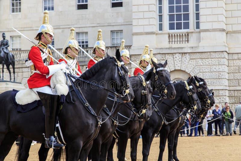 Mudança do protetor nos protetores de cavalo, Londres fotografia de stock
