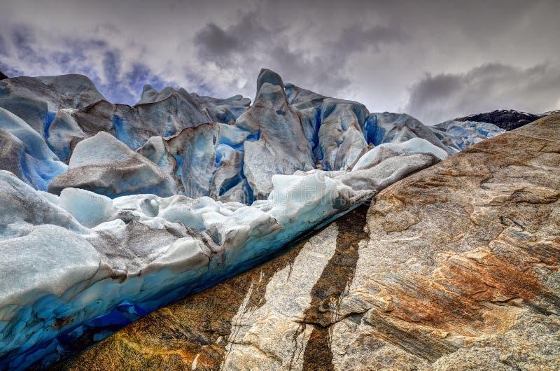 Mudanza del glaciar de Nigardsbreen imágenes de archivo libres de regalías