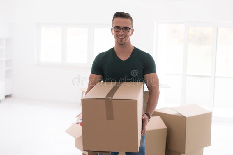 Mudanza a un nuevo apartamento fotografía de archivo libre de regalías