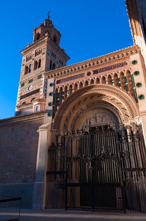 Mudejar собор тринадцатого века Santa Maria de Mediavilla, t стоковое изображение rf