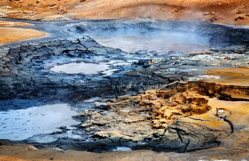 Mudpots chez Hverir, Islande photographie stock