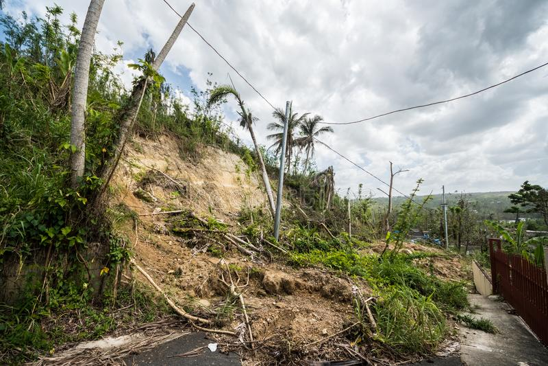 Mudslide från orkanen Maria Rains fotografering för bildbyråer