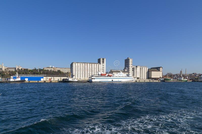 Muelle de Kadikoy, Estambul foto de archivo