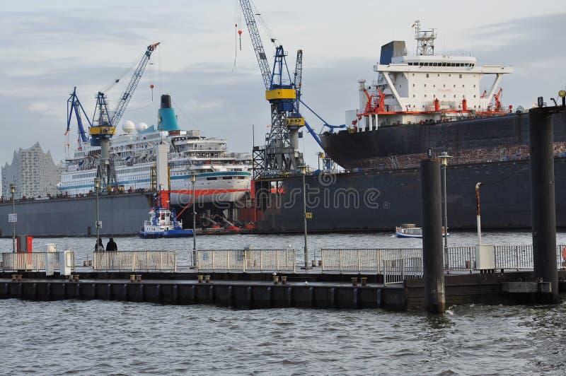 Muelle de la construcción naval Astillero en Hamburgo, Alemania fotos de archivo