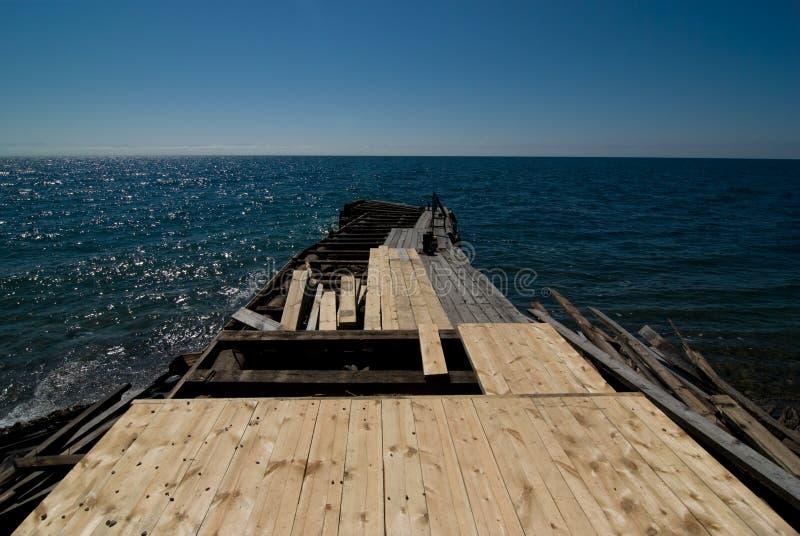 Muelle de madera en la construcción fotos de archivo libres de regalías