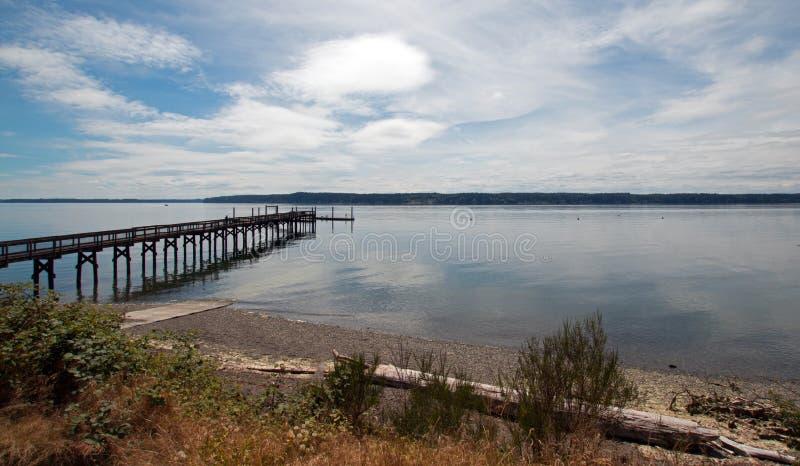 Muelle del barco del parque de estado de la playa de Joemma cerca de Tacoma Washington los E.E.U.U. foto de archivo