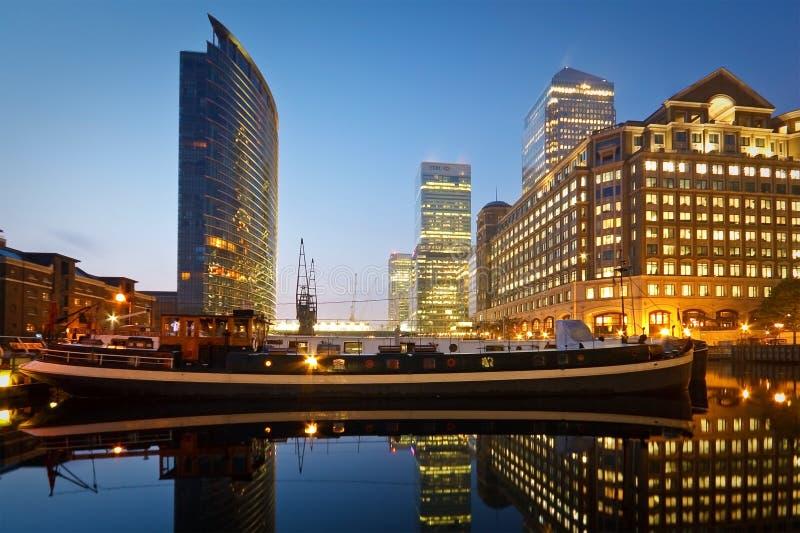 Download Muelle Del Norte En Canary Wharf, Londres Foto editorial - Imagen de marriott, configuración: 41911201