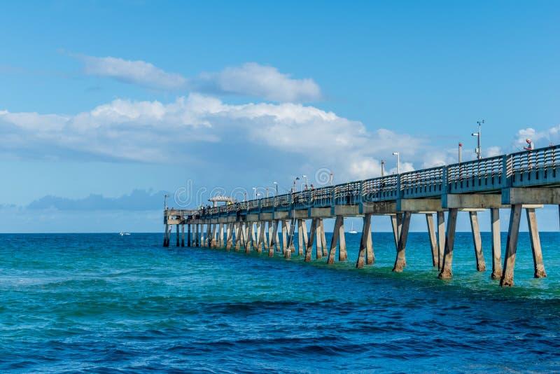 Muelle en la playa de Daria imágenes de archivo libres de regalías