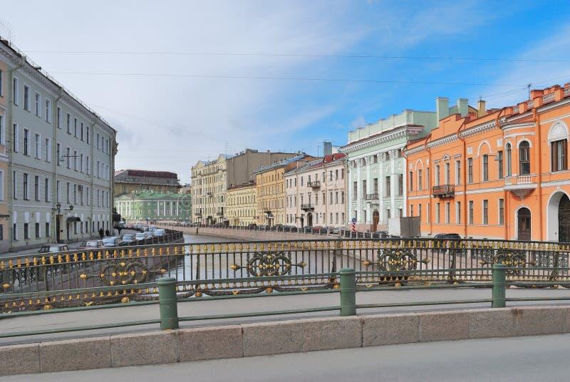 Muelle hermoso en St Petersburg fotografía de archivo libre de regalías