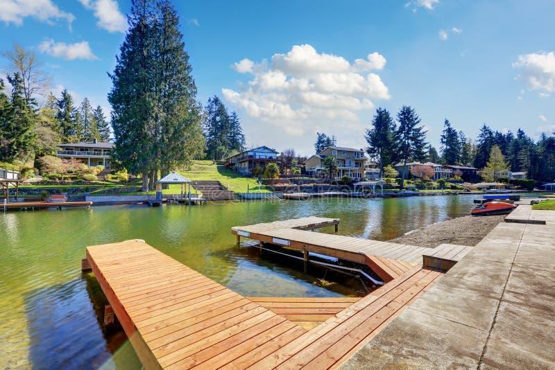 Muelle privado en el lago Tapps fotos de archivo libres de regalías