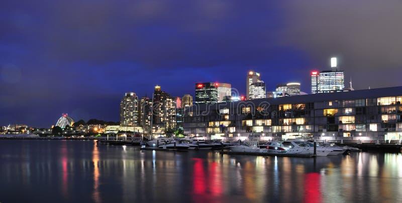 Muelle Sydney del puerto de Pyrmont en la noche foto de archivo libre de regalías