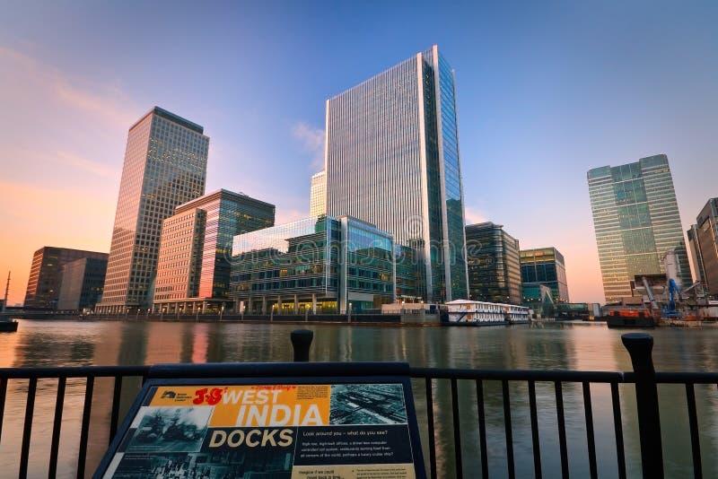 Download Muelle Y Canary Wharf Del Sur, Londres Imagen editorial - Imagen de unido, britain: 41911185