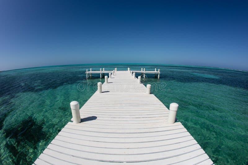 Muelle y mar del Caribe foto de archivo libre de regalías