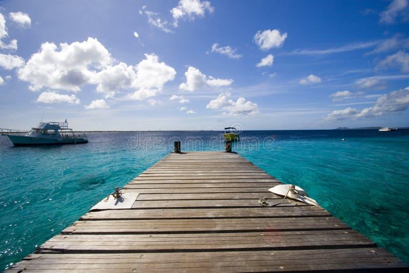 Muelle y océano, Bonaire imagen de archivo libre de regalías