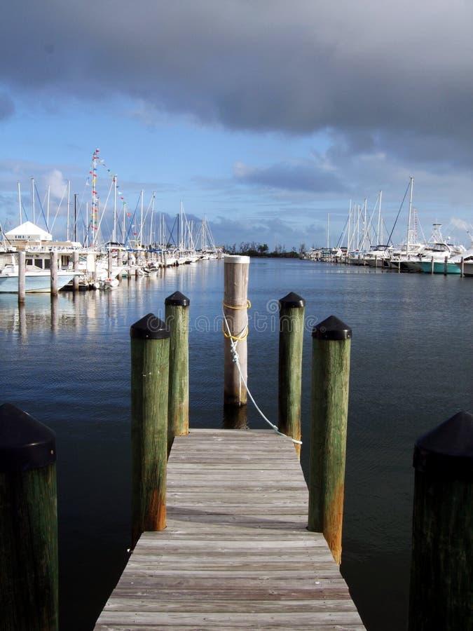 Muelle y puerto deportivo imagenes de archivo