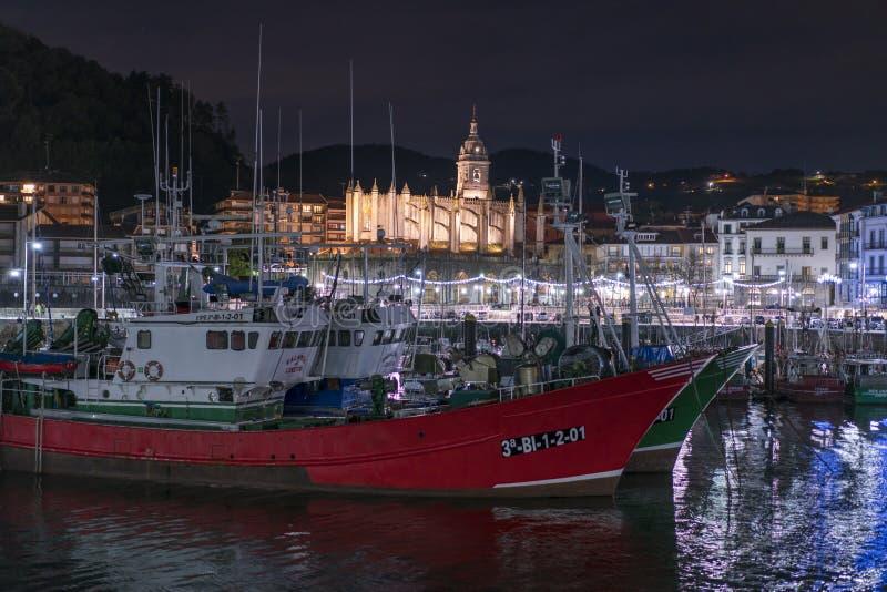 Muelles de Lekeitio en la puesta del sol imágenes de archivo libres de regalías