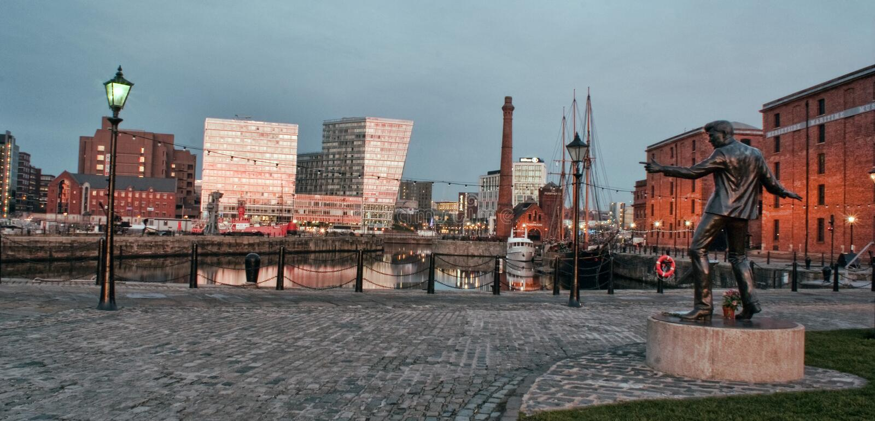 Download Muelles de Liverpool foto editorial. Imagen de oscuridad - 44855351