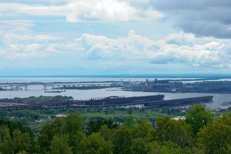 Muelles y puerto del mineral en Duluth imagen de archivo libre de regalías