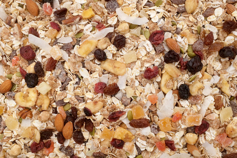 Muesli背景-混杂的果子和坚果有谷物剥落的 库存照片