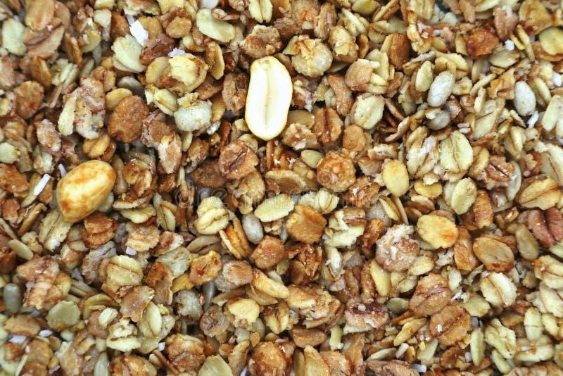 Muesli еды зажаренное от зерна и гаек стоковое фото rf