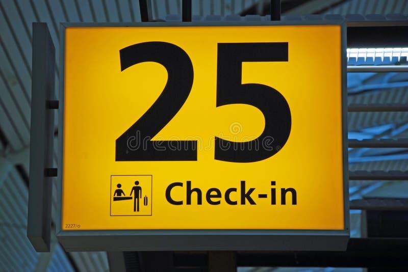 Muestra amarilla del enregistramiento de la dirección del aeropuerto imagen de archivo