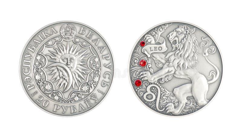 Muestra astrológica Leo de la moneda de plata foto de archivo