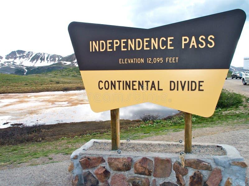 Muestra de la divisoria continental de Colorado del paso de la independencia fotografía de archivo
