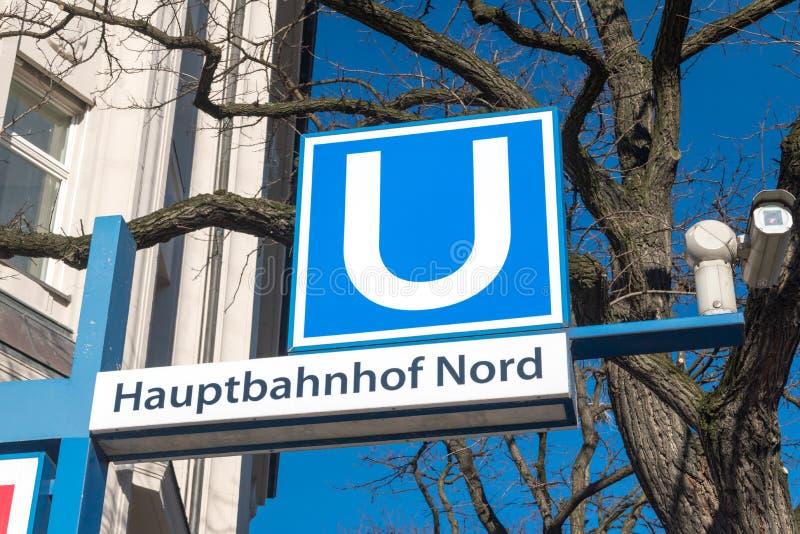 Muestra de la estación del metro de Hauptbahnhof Nord imagenes de archivo