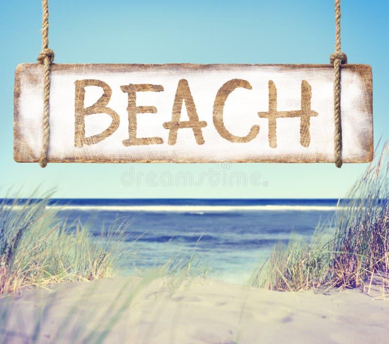 Download Muestra De La Playa Y Del Tablón Con La Playa Del Texto Foto de archivo - Imagen de día, coastline: 41919706