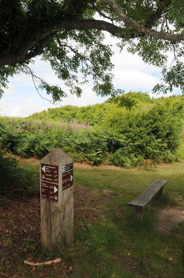 Muestra de la senda para peatones, parque del este del país de la colina, Hastings imagen de archivo libre de regalías