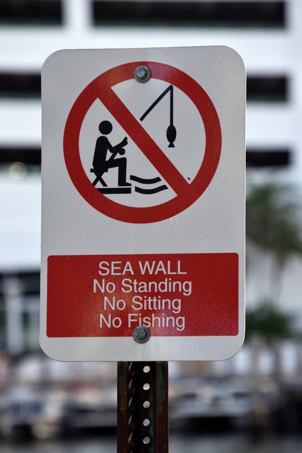 Muestra de las restricciones de la pared de Mar Rojo fotografía de archivo libre de regalías