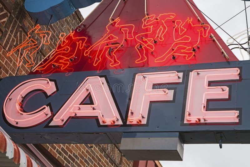 Muestra de neón al aire libre del café imagen de archivo libre de regalías