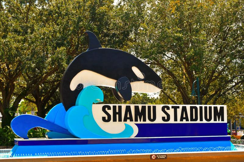 Muestra del estadio de Shamu en el parque temático de Seaworld fotografía de archivo