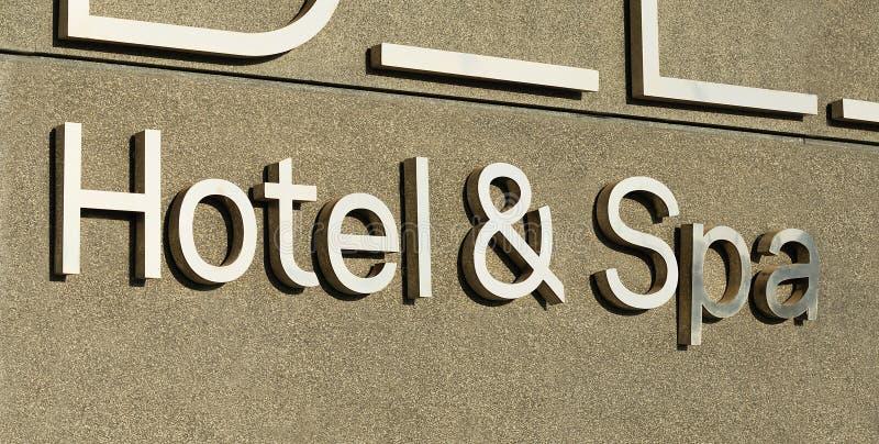 Muestra del hotel y del balneario fotografía de archivo