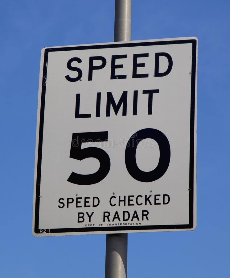 Muestra del límite de velocidad 50 fotografía de archivo