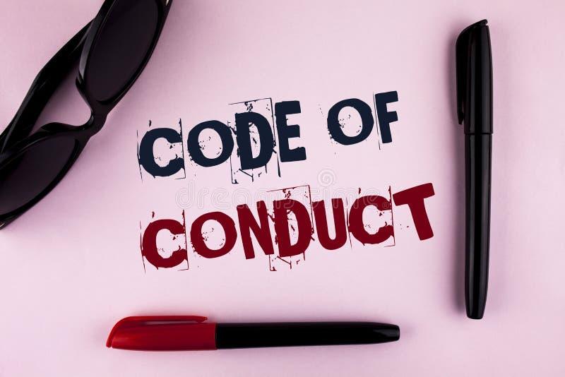 Muestra del texto que muestra código de conducta La foto conceptual sigue principios y los estándares para la integridad del nego foto de archivo