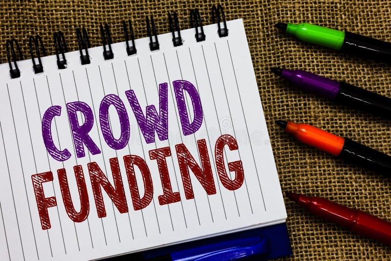 Muestra del texto que muestra la financiación de la muchedumbre Las donaciones de lanzamiento Fundraising de la plataforma del co fotografía de archivo