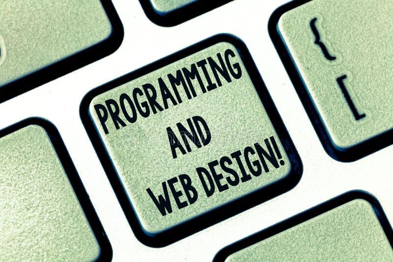Muestra del texto que muestra la programación y el diseño web E fotografía de archivo