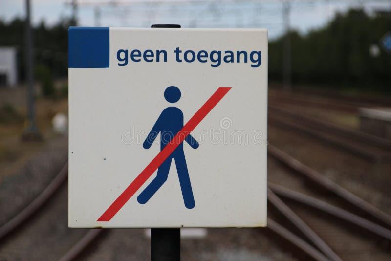 Muestra en la estación de tren 't Harde cerca de Zwolle en los Países Bajos fotos de archivo libres de regalías