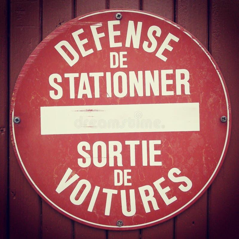 Muestra francesa del estacionamiento prohibido foto de archivo libre de regalías