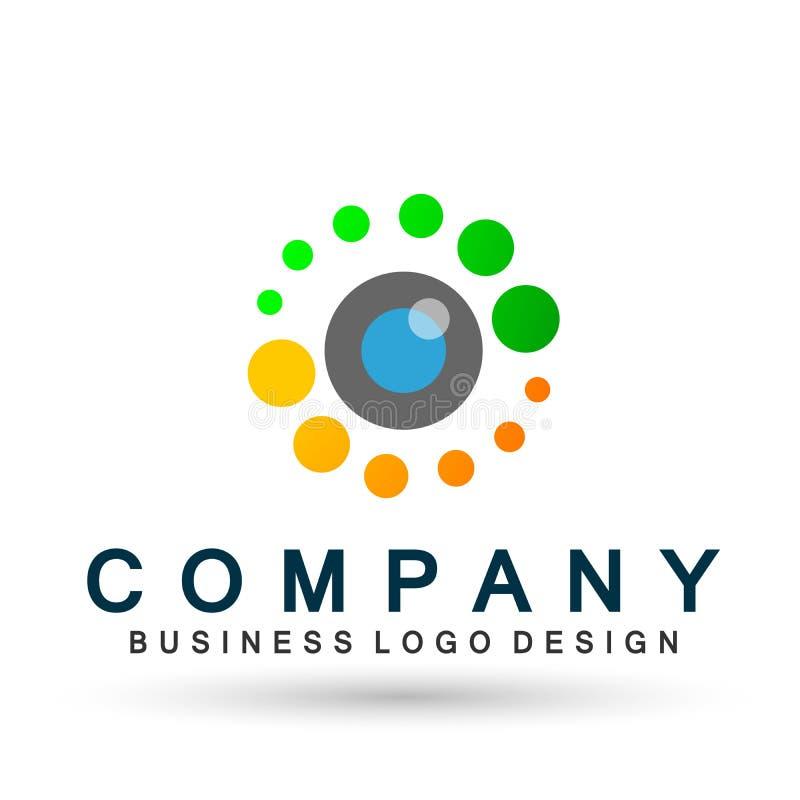 Muestra médica del elemento del icono del logotipo del concepto de la salud de la familia del globo del cuidado del ojo en el fo libre illustration